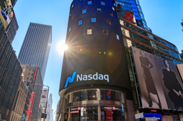 Canopy Growth moves to NASDAQ